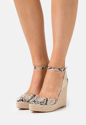 Platform sandals - beige/brown