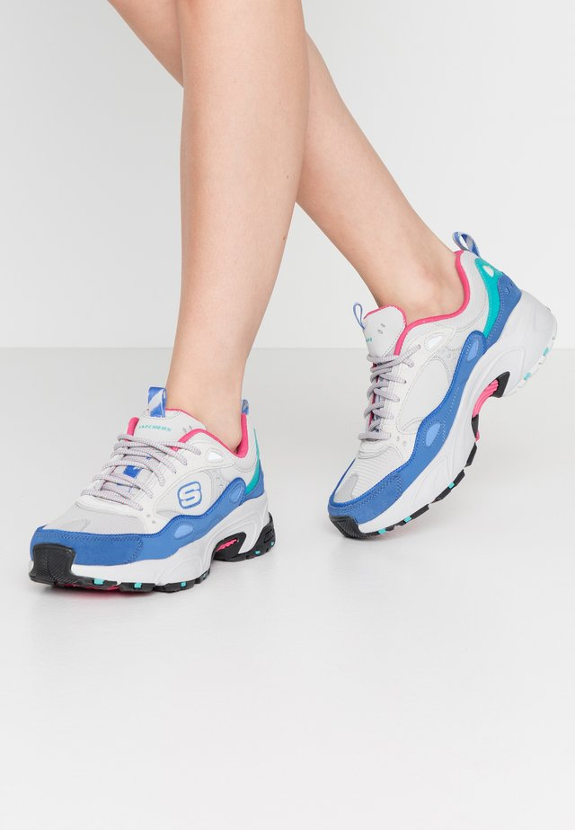 STAMINA - Trainers - gray/blue/pink