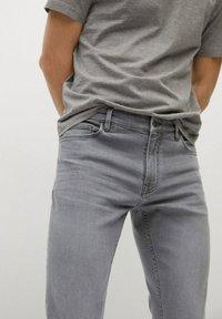 Mango - JUDE - Jeans Skinny Fit - gris denim - 4