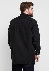 Seidensticker - MODERN FIT KENT - Shirt - black - 2