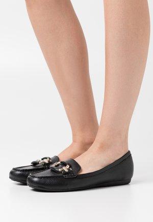 URSEL - Nazouvací boty - black