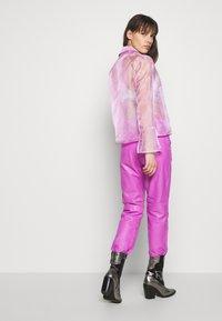 HOSBJERG - JASMINE - Skjortebluser - light pink - 2