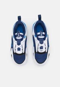 Nike Sportswear - AIR MAX BOLT UNISEX - Sneakers laag - blue void/signal blue/white/black - 3