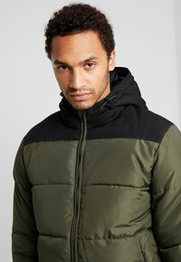 Only & Sons - ONSBOSTON QUILTED BLOCK HOOD - Giacca invernale - forest night - 4