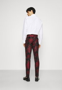 Twisted Tailor - LORRIS SUIT - Oblek - black/red - 5
