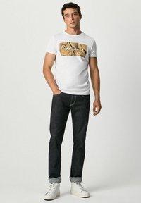 Pepe Jeans - RAURY - T-shirt med print - blanco - 1