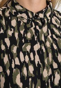 Soyaconcept - SC-TIFA 2 - Button-down blouse - moss green combi - 4