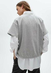 Massimo Dutti - Basic T-shirt - light grey - 1