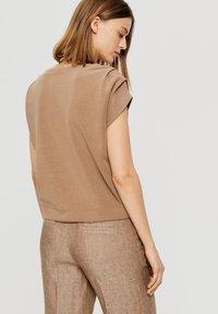 Opus - Basic T-shirt - brown - 1