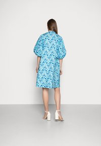 Résumé - FARAH DRESS - Denní šaty - light blue - 2