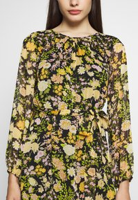 Wallis Petite - GARDEN FLORAL FRILL FIT AND FLARE DRESS - Day dress - black - 5