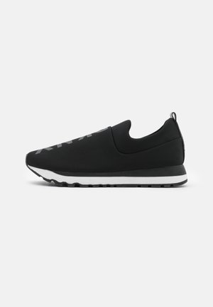 JADYN JOGGER - Slippers - black