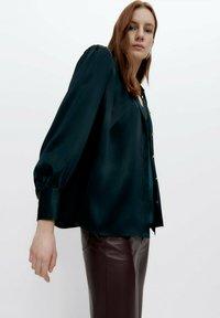 Uterqüe - Button-down blouse - green - 3