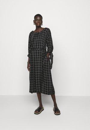 RAGLAN SLEEVE DRESS WITH GATHERED NECK & CUFFS - Day dress - black/white