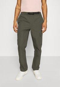 Minimum - KROGHOLM - Cargo trousers - rosin - 0
