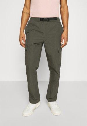 KROGHOLM - Cargo trousers - rosin