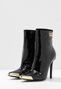 Versace Jeans Couture - HIGHT TOP STILETTO  - Botki na obcasie - nero - 4