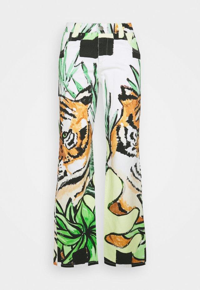 NADIRA - Jeans a zampa - multi