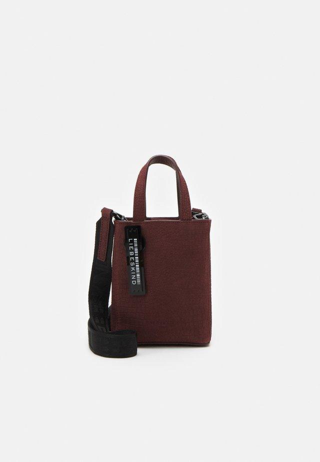 Handväska - merlot