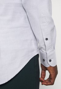 Tommy Hilfiger Tailored - DOBBY TEXTURE SHIRT - Formal shirt - white/navy - 5