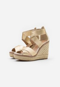Dorothy Perkins - ECO REEL WEDGE - High heeled sandals - gold - 2