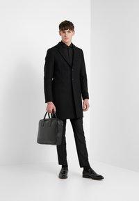 HUGO - ERRIKO EXTRA SLIM FIT - Formal shirt - black - 1