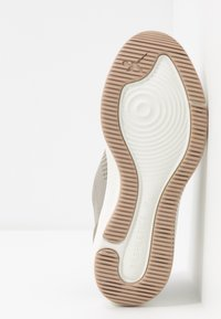 Tamaris Fashletics - Baskets basses - olive - 6