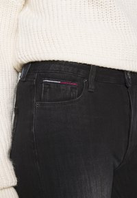 Tommy Jeans - SYLVIA SUPER SKNY - Jeans Skinny Fit - dynamic black - 3