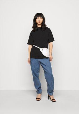 LIMEDROP SHOULDER OVERSIZED 2 PACK - T-shirts - black/camel