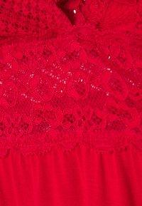 Hunkemöller - GRAPHIC - Nattskjorte - tango red - 5