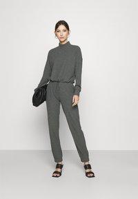 ONLY - ONLNELLA PANTS - Tracksuit bottoms - dark grey melange - 1