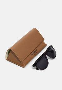Burberry - Sunglasses - transparent/grey - 2