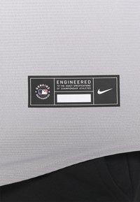 Nike Performance - MLB NEW YORK YANKEES OFFICIAL REPLICA ROAD  - Klubbkläder - dugout grey - 5