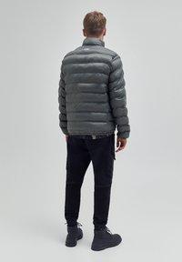 PULL&BEAR - Winter jacket - khaki - 2