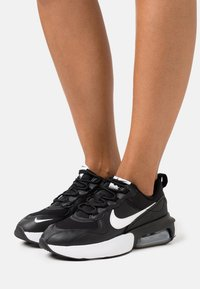 Nike Sportswear - AIR MAX VERONA - Trainers - black/summit white/anthracite/metallic silver - 0