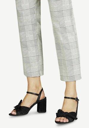 High heeled sandals - black uni