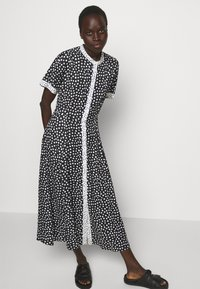 MAX&Co. - CABINA - Shirt dress - black - 4