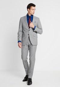 Bugatti - SUIT REGULAR FIT - Suit - light grey - 1