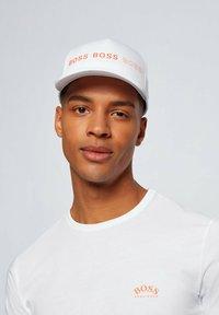 "BOSS - ""TEE CURVED"" - Basic T-shirt - natural - 3"