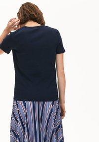 Lacoste - T-shirt basic - bleu marine - 1