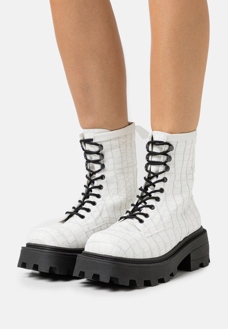 Topshop - BAE SQUARE TOE LACE UP - Lace-up ankle boots - white