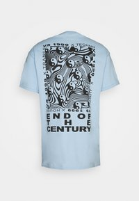 Vintage Supply - END OF THE CENTURY RAVE FRONT AND BACK GRAPHIC UNISEX - Print T-shirt - baby blue - 1