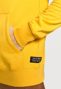 TOM TAILOR DENIM - Hoodie - star shine yellow - 5