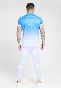 SIKSILK - RAGLAN FADE STRAIGHT HEM TEE - Print T-shirt - blue/ice grey - 2