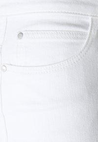 JDY - JDYSONJA LIFE ANK - Jeans Skinny Fit - white denim - 2