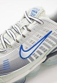 Nike Sportswear - AIR VAPORMAX 360 - Zapatillas - spruce aura/racer blue/pistachio frost/obsidian/silver pine/metallic silver - 5