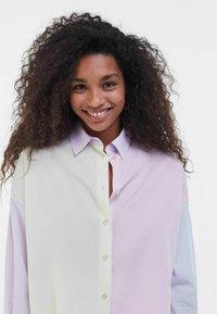 Bershka - MIT COLOUR-BLOCK  - Button-down blouse - mauve - 3