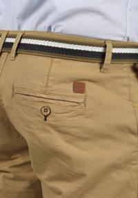 Blend - BRUNO - Shorts - sand brown - 4