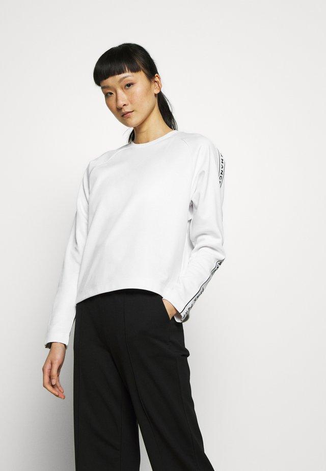 TECH CLUB CREW - Pitkähihainen paita - white