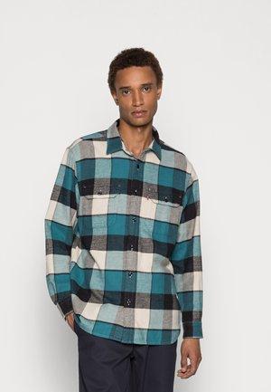 JACKSON WORKER - Skjorta - mahnomen colonial blue